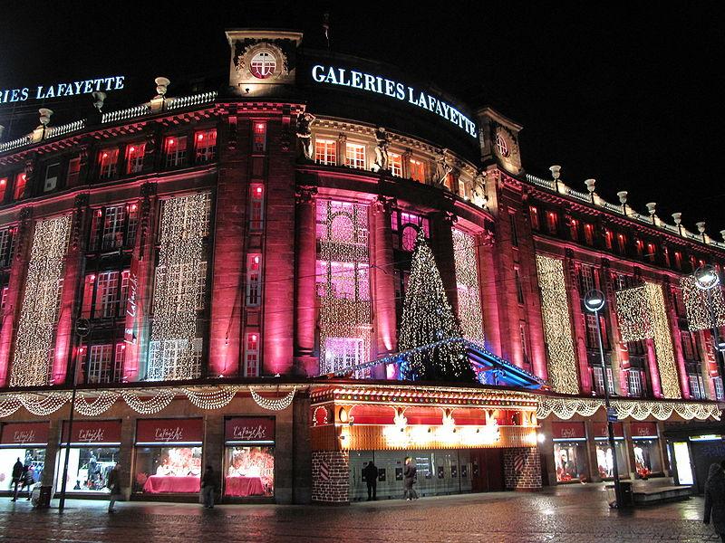 Galeries Lafayette – le magasin illuniné pour Noël – Dealabs