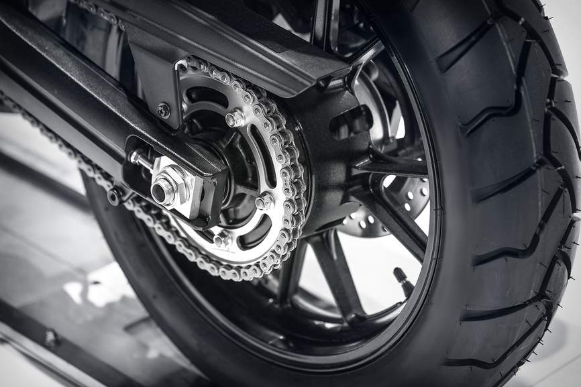 Pneus moto en détail