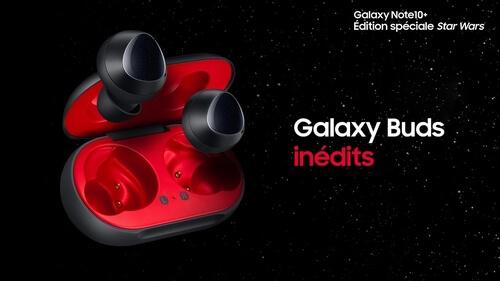 Galaxy Buds sur fond noir avec un titre