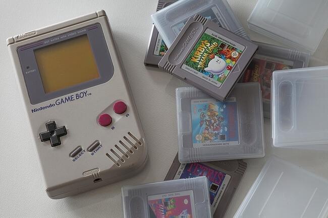 Game Boy avec jeux