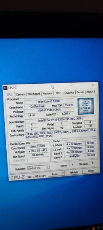 2103273-iQ9AT.jpg