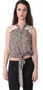 Promotion sur une sélection d'articles - Ex : Chemise léopard nouée (Taille L et XL)