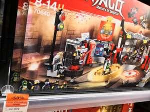 Jeu de construction Lego : QG du gang des fils de garmadon n°70640 - Cultura  la Rochelle Beaulieu (17)