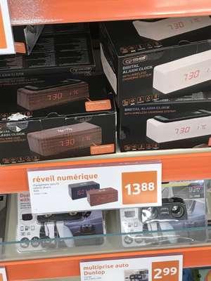 Reveil numérique chargeur induction - Le Bosc (34)