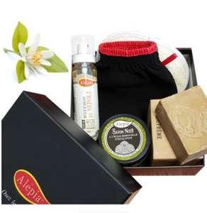 Coffret de gommage parfumé: 1 huile d'Argan 100 ml + 1 savon noir 200g + 1 savon d'Alep tradition suprême + 2 gants