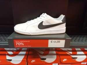 Sélection de chaussures Nike en promotion - Ex : Nike Canvas - Blanc (Vaulx-en-Velin 69)