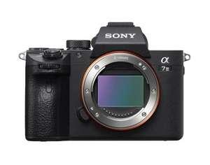 Appareil photo hybride Sony Alpha A7 III + objectif Hybride Sony FE 35mm f/1.8 SEL
