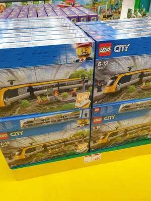 Jouet Lego City (60197) - Le train de passagers télécommandé (Concorde Bertrange - Frontaliers Luxembourg)