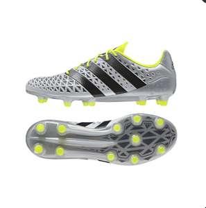 Paire de chaussures de foot Adidas ACE 16.1 moulées
