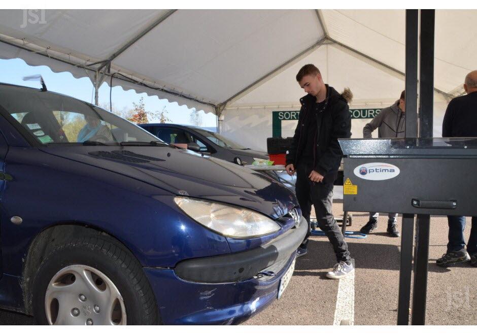Contrôle et réglage gratuit des feux de véhicules et d'autres points de sécurité au Carrefour Chalon-sur-Saône Sud (71)