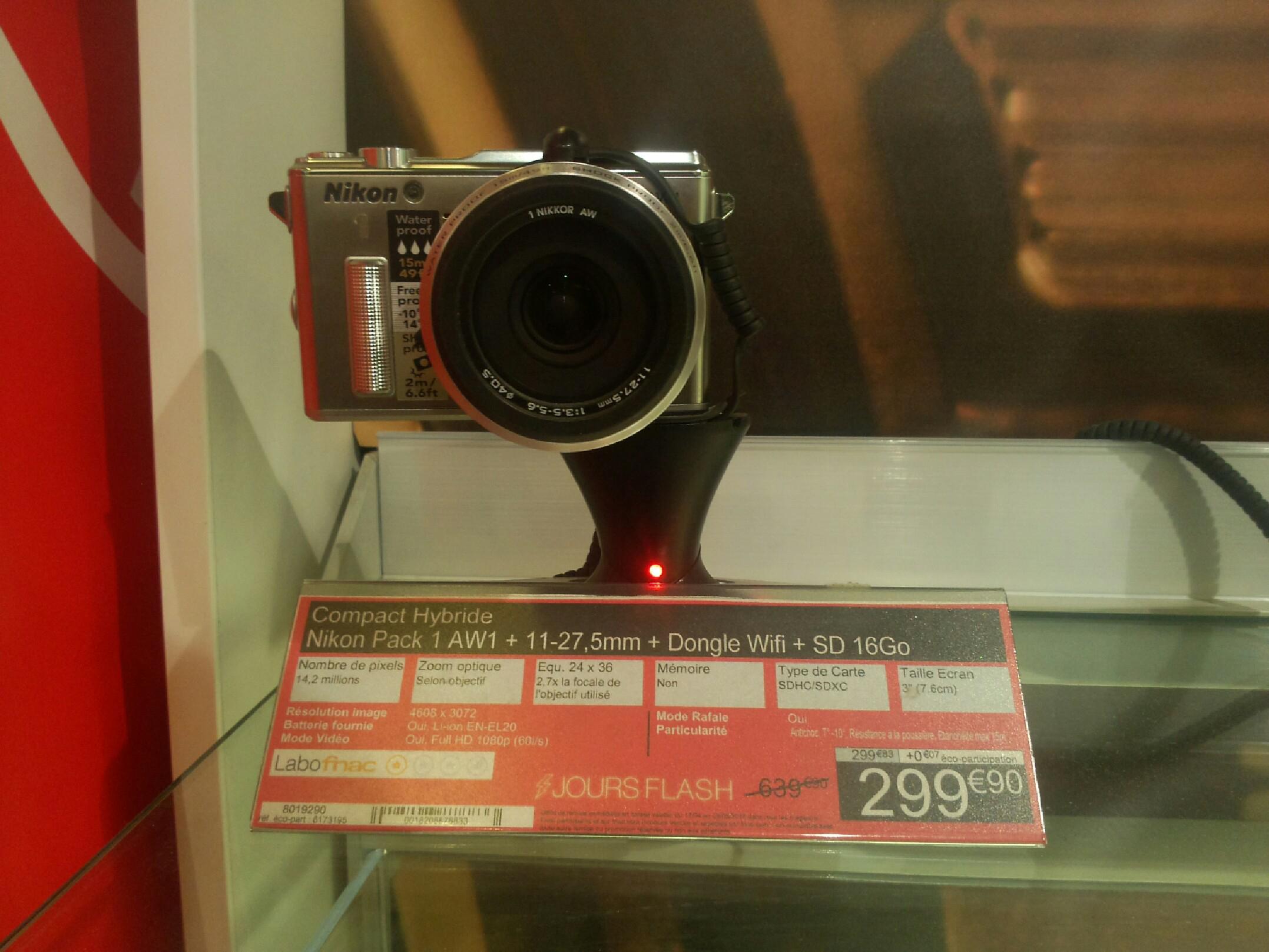 Appareil photo hybride Nikon 1 AW1 + Objectif 11-27.5 mm + Dongle Wifi + SD 16 Go