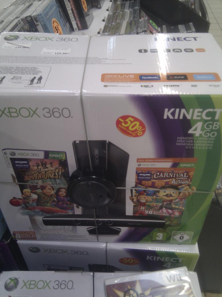XBOX 360 4Go + Kinect + 2 jeux