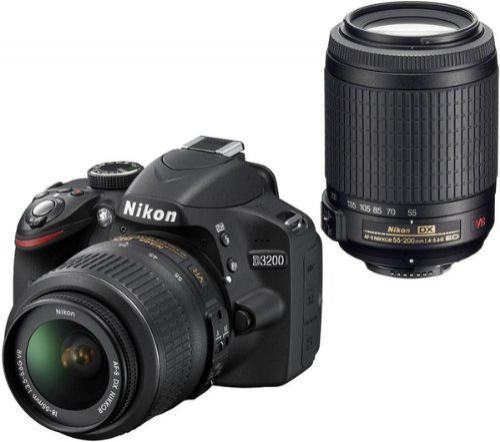 Nikon D3200 avec Objectif 18-55 + Objectif 55-200 + Fourre tout Nikon + SD Nikon 4GB