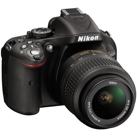 Appareil photo Reflex Nikon D5200 + 18-55MM VRII (via 70,35€ carte Waaoh)