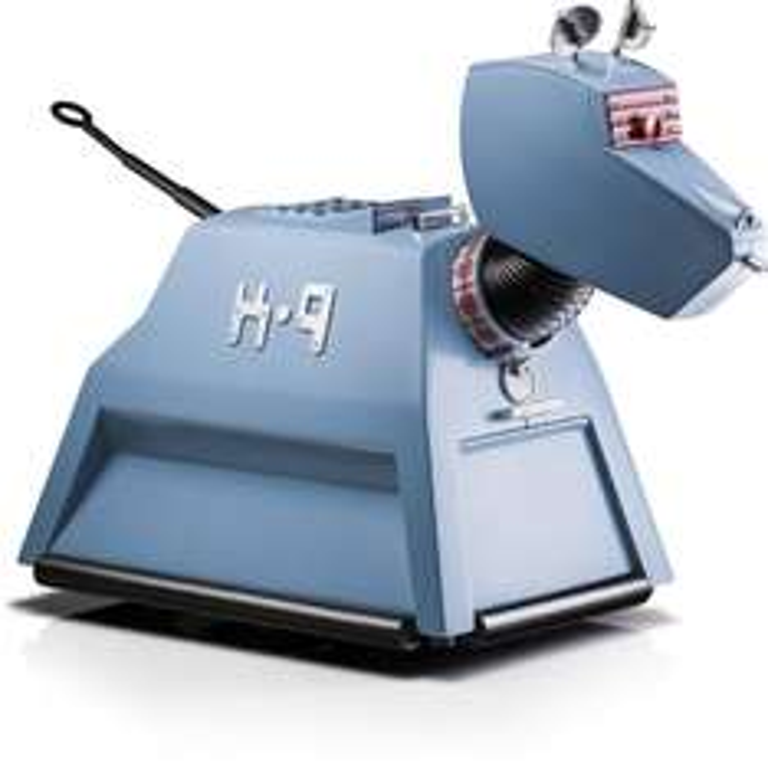 Robot contrôlable via Smartphone  Dr Who Operated Desktop K9