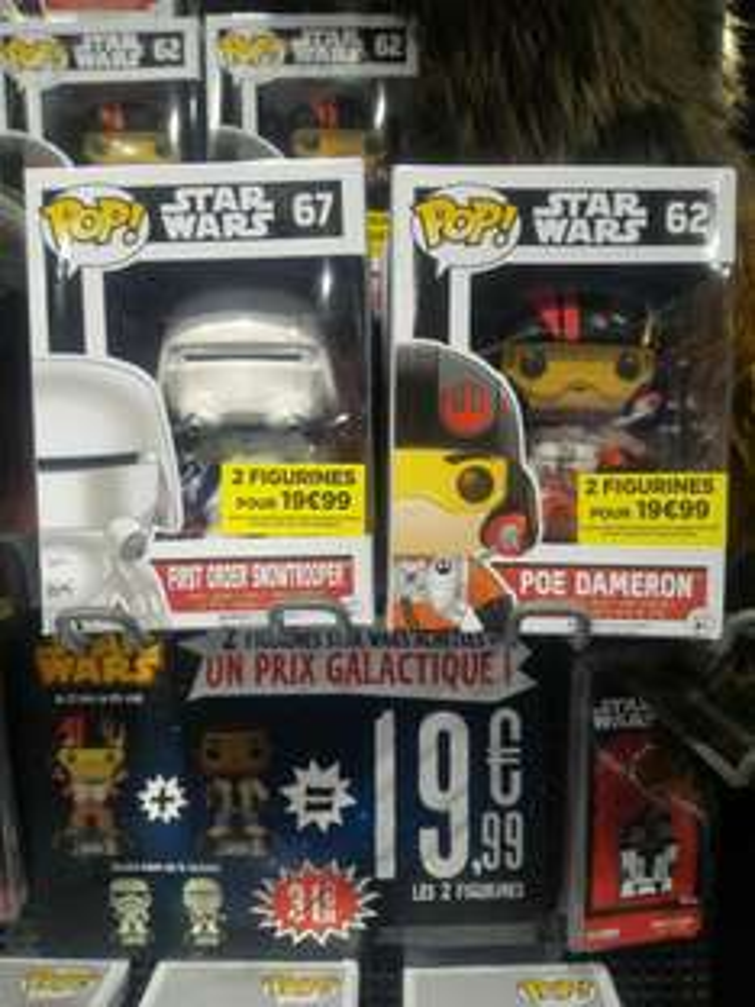 2 figurines Pop Star Wars