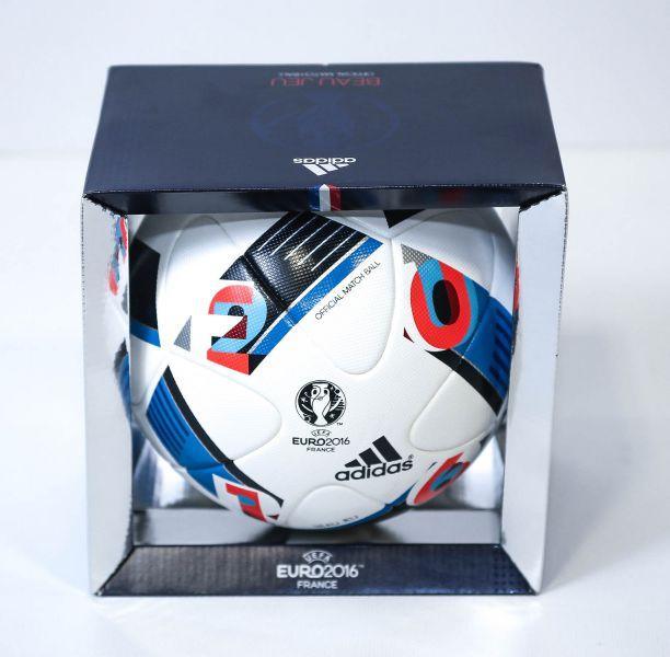 """Ballon Officiel de l'Euro 2016 : Adidas """"Beau Jeu"""""""