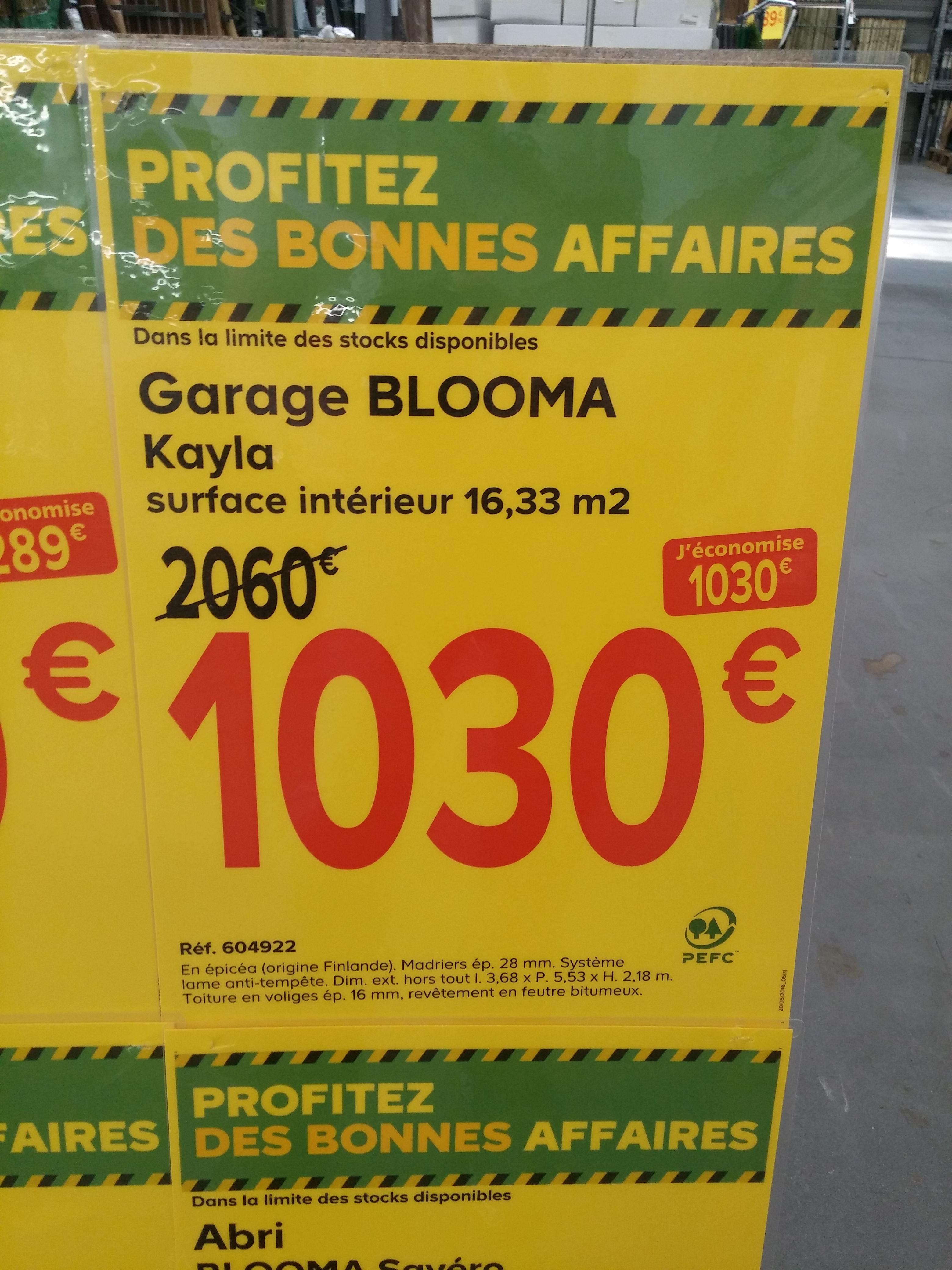 Sélection d'articles en promotion - Ex: Garage Kayla Blooma - Surface intérieure de 16,33 m²