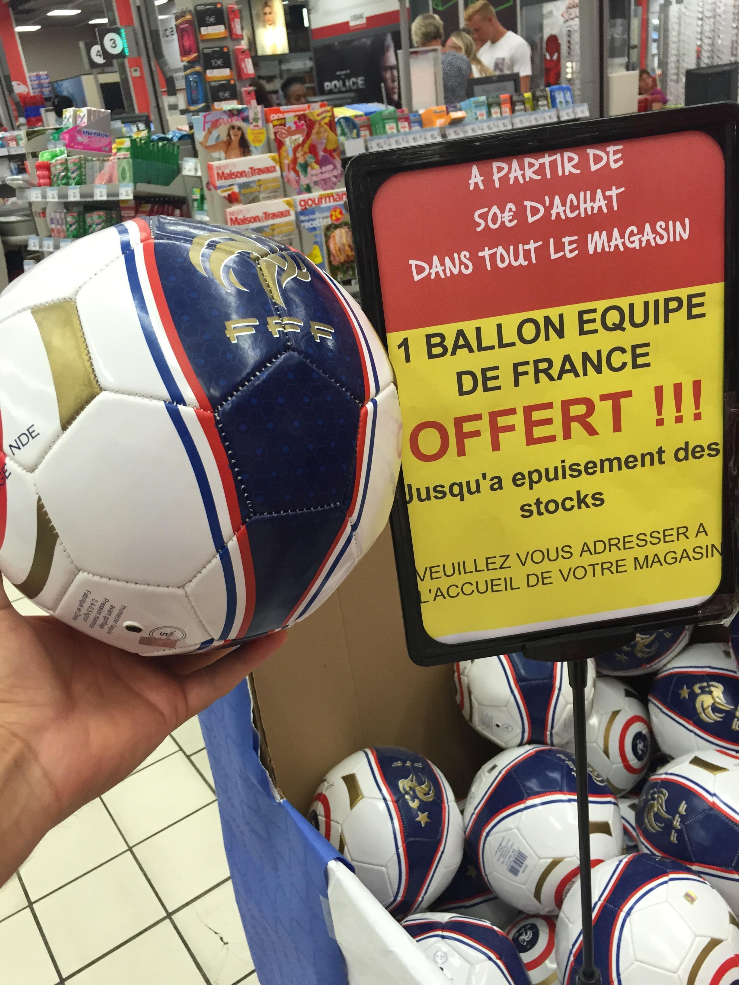 Ballon de Football Equipe de France offert au lieu de 13,90€ dès 50 euros d'achats