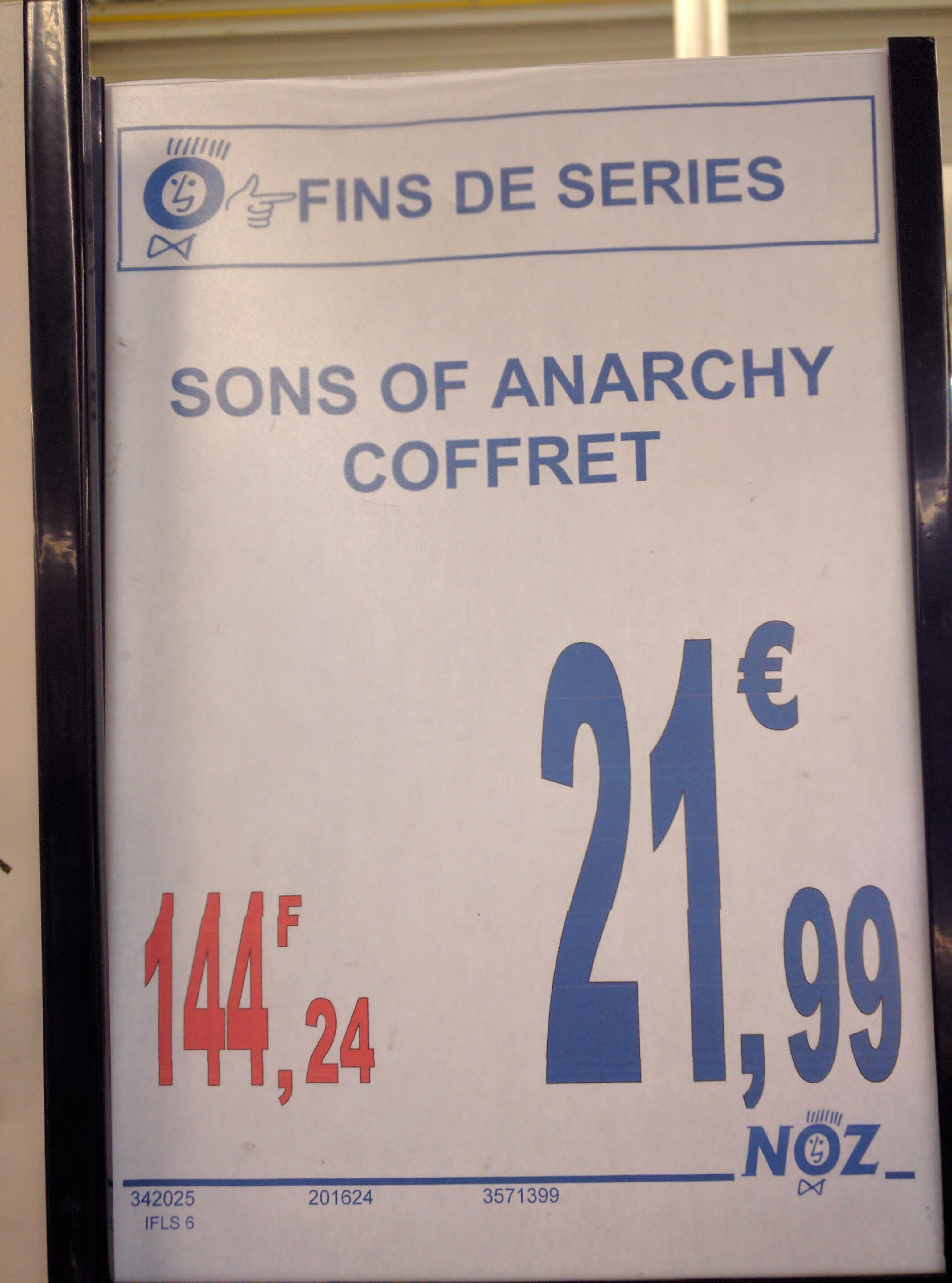 Coffret blu-ray Sons of Anarchy - Saison 1 à 5 + bandana Samcro