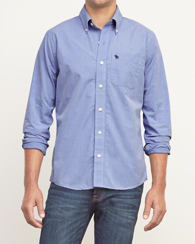 Jusqu'à 60% de réduction sur une sélection d'articles - Ex : Chemise à poche en serge bleue
