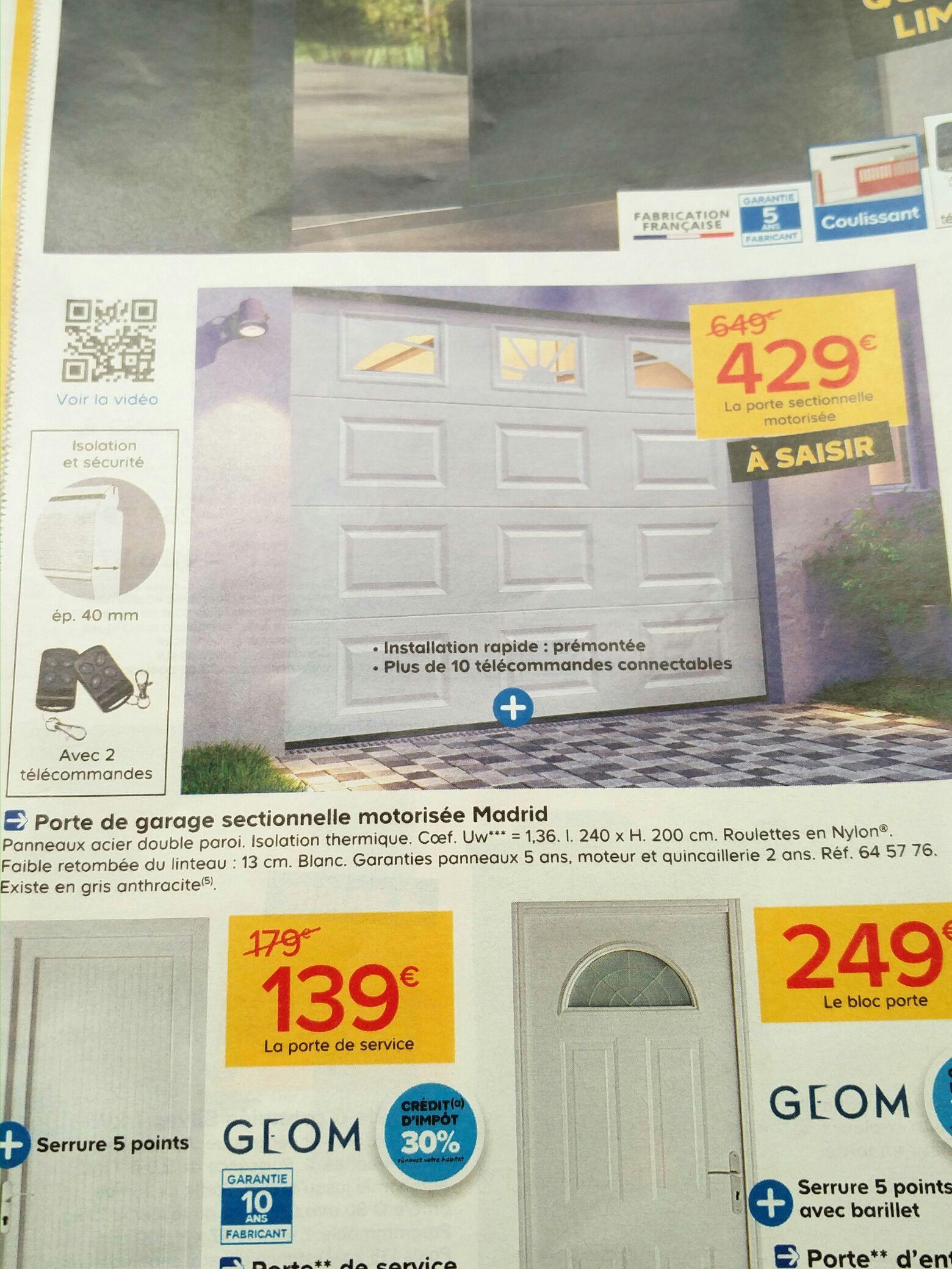 Porte de garage sectionnelle hublots Madrid blanche - 240x200cm