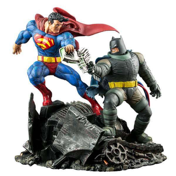 Figurine de collection - The Dark Knight Returns: Superman Vs. Batman