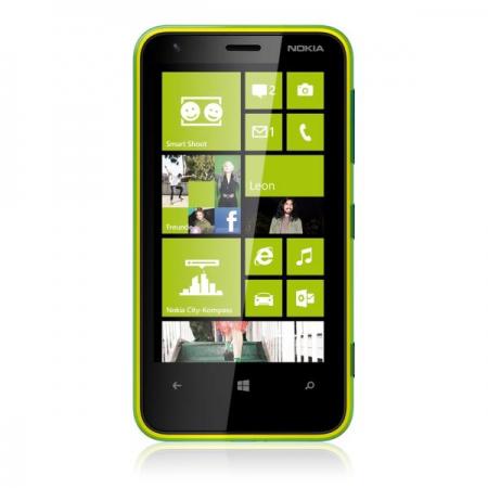 Smartphone Nokia Lumia 620 tout opérateur