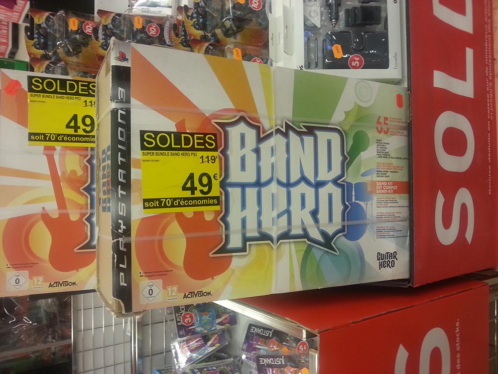 Band Hero Super Bundle sur PS3 (Jeu + Guitare + Batterie + Micro)