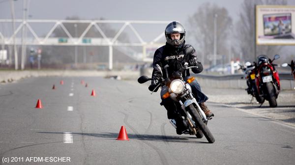 Journée de formation conduite d'un 125cm³ à l'Auto Moto Ecole Paris 18ème