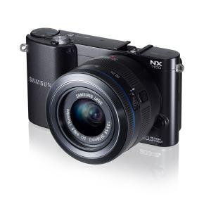 Appareil photo hybride Samsung NX1100 + objectif 20-50mm noir