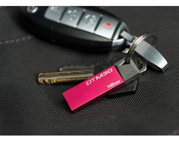 Clé USB 3.0 Kingston DataTraveler Mini 16Go - Rouge -