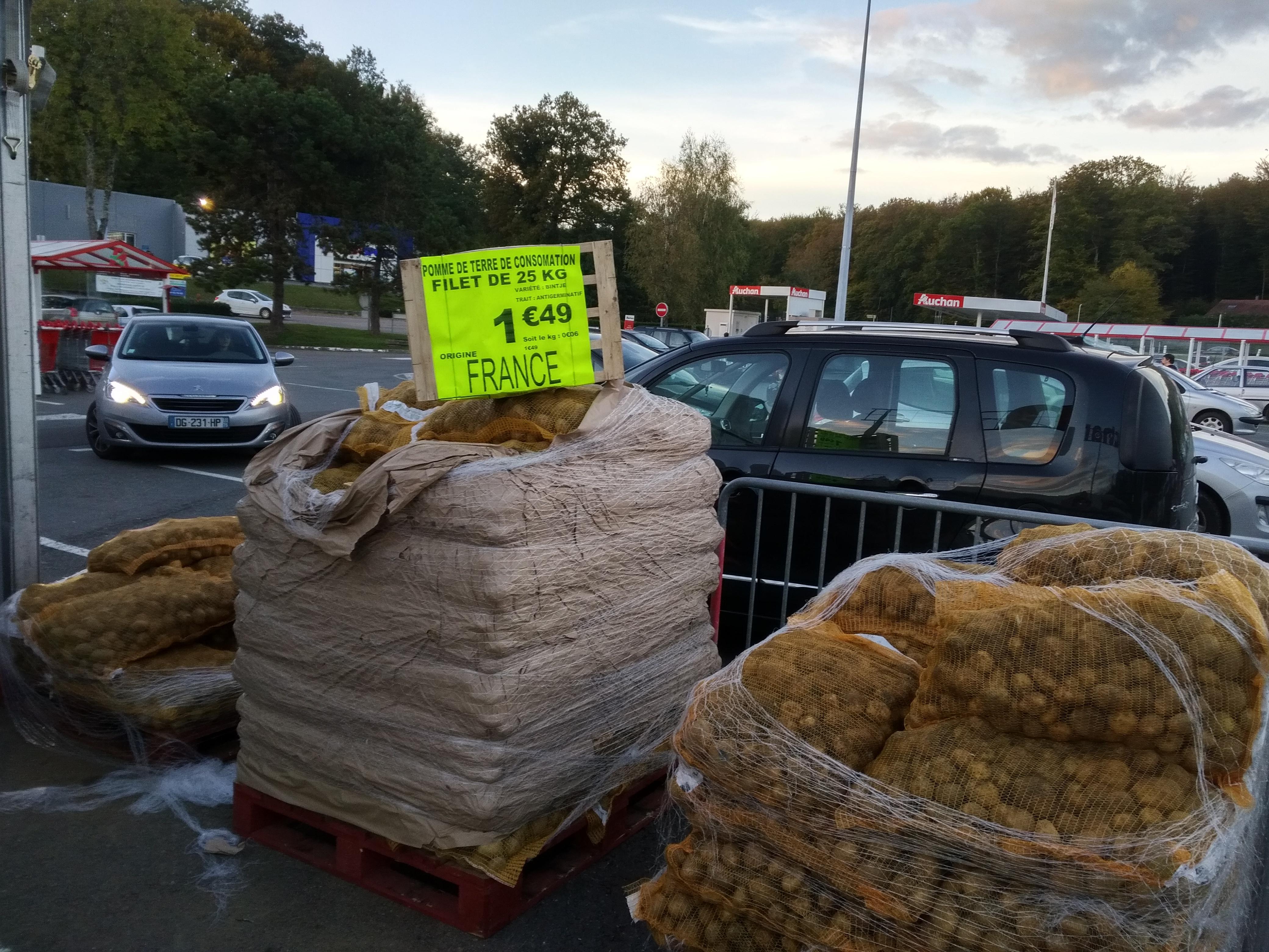 sac de pommes de terre bintje origine france 25 kg chez auchan luxeuil 70. Black Bedroom Furniture Sets. Home Design Ideas