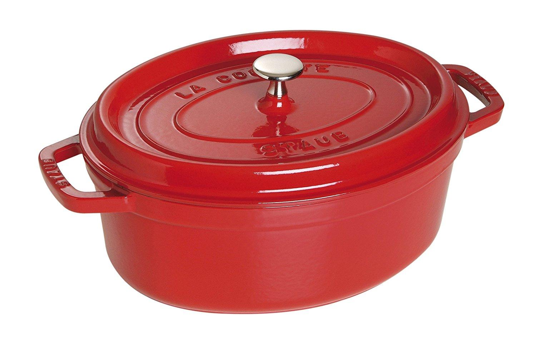 cocotte ovale staub en fonte 31 cm rouge cerise. Black Bedroom Furniture Sets. Home Design Ideas