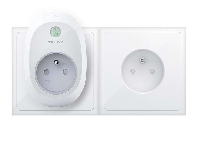 prise connect e wi fi tp link hs100 fr compatible avec google home amazon. Black Bedroom Furniture Sets. Home Design Ideas