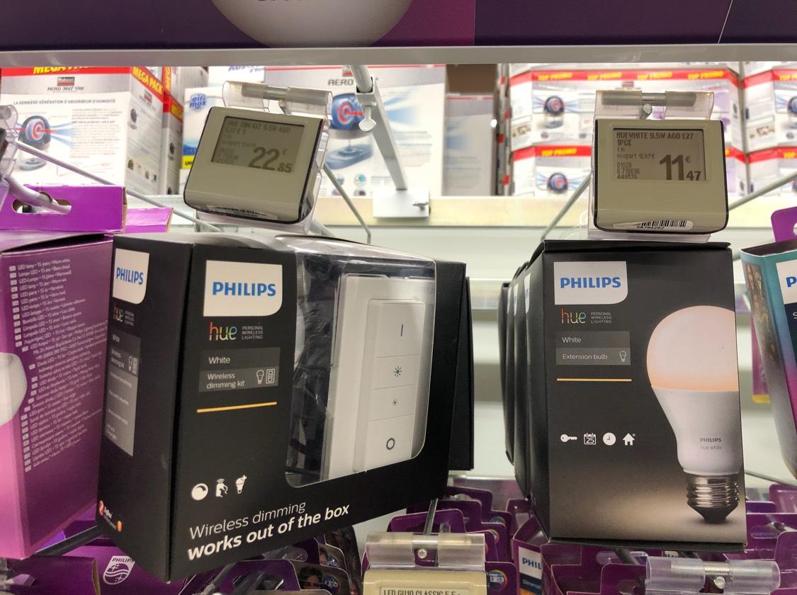 kit philips hue wireless dimming kit ampoule led avec t l commande culot e27 leclerc arles 13. Black Bedroom Furniture Sets. Home Design Ideas