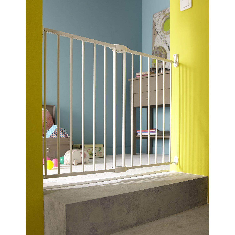 barri re de securit enfant munchkin metal blanc. Black Bedroom Furniture Sets. Home Design Ideas