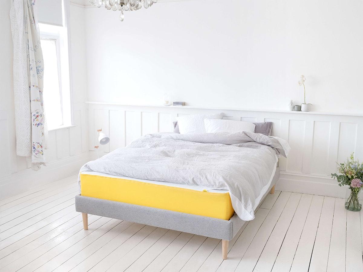 matelas ve 160 x 200cm chez adov cheffois 85. Black Bedroom Furniture Sets. Home Design Ideas