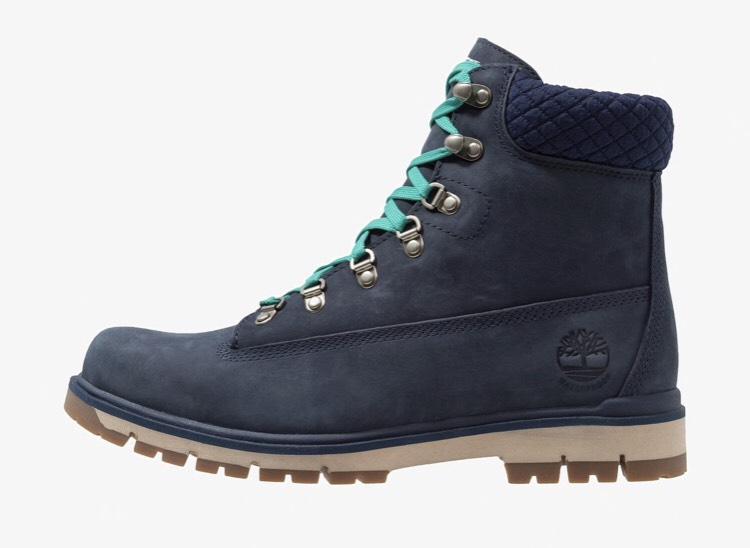 490cae9d5614b Paire de chaussures Timberland Radford 6 IN D-RINGS BOOT - Noir Bleu –  Dealabs.com