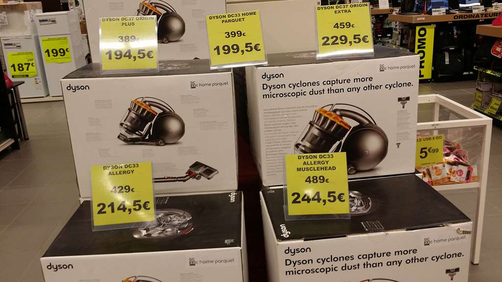 aspirateurs dyson en promotion ex aspirateur traineau sans sac dyson dc33c home parquet. Black Bedroom Furniture Sets. Home Design Ideas