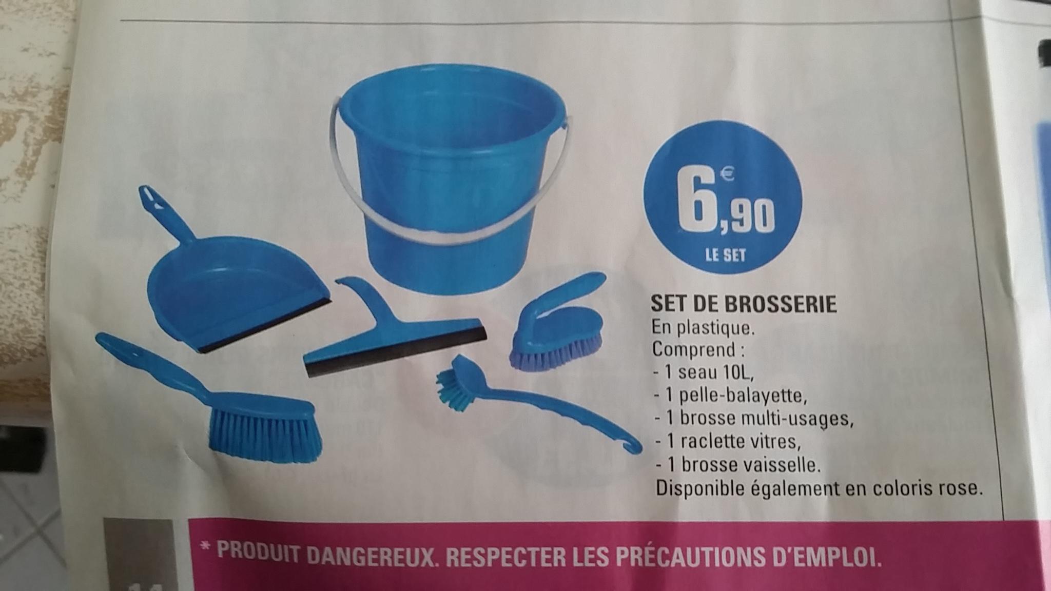 Set de ménage (Seau + pelle et balayette + brosse multi-usage + raclette + brosse vaisselle)