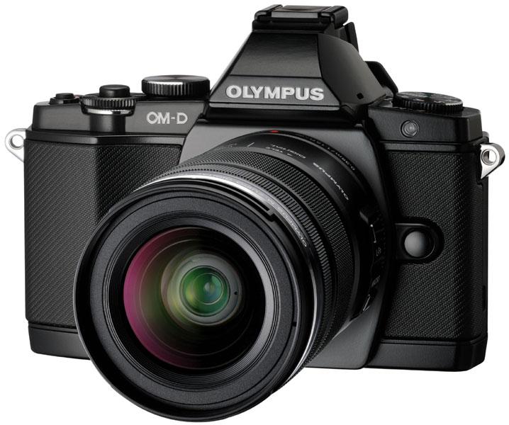 [Offre adhérent] Appareil photo Hybride Olympus OMD E-M5 noir + 3 Objectifs 14-42 mm + 45mm + 40-150 mm