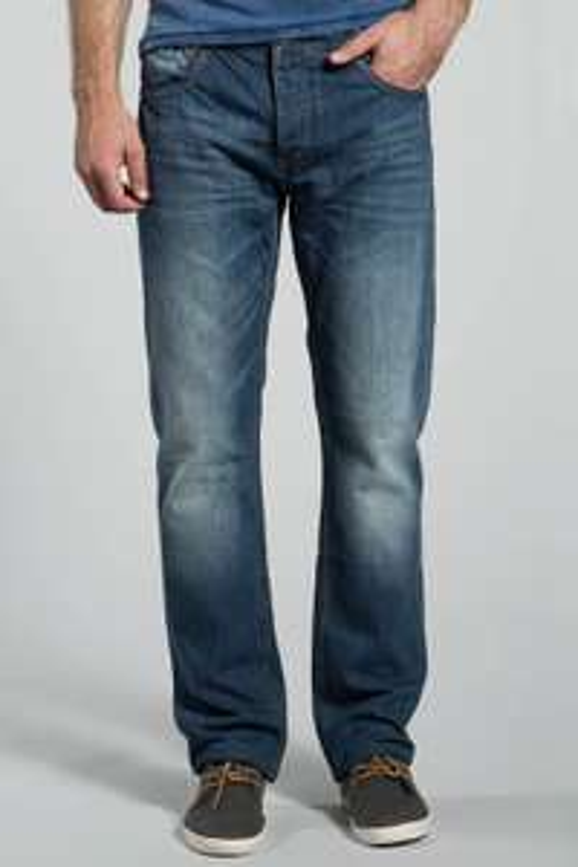 Jusqu'à 60% de réduction sur sélection d'articles - Ex : Jeans homme regular Rio Celian