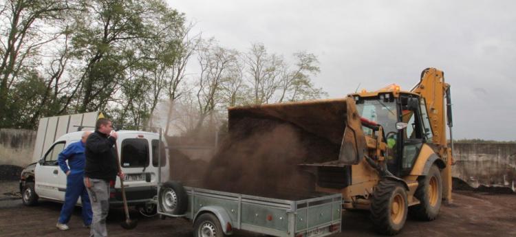 Distribution de compost gratuite le 18 et 19 novembre (Dax - 40)