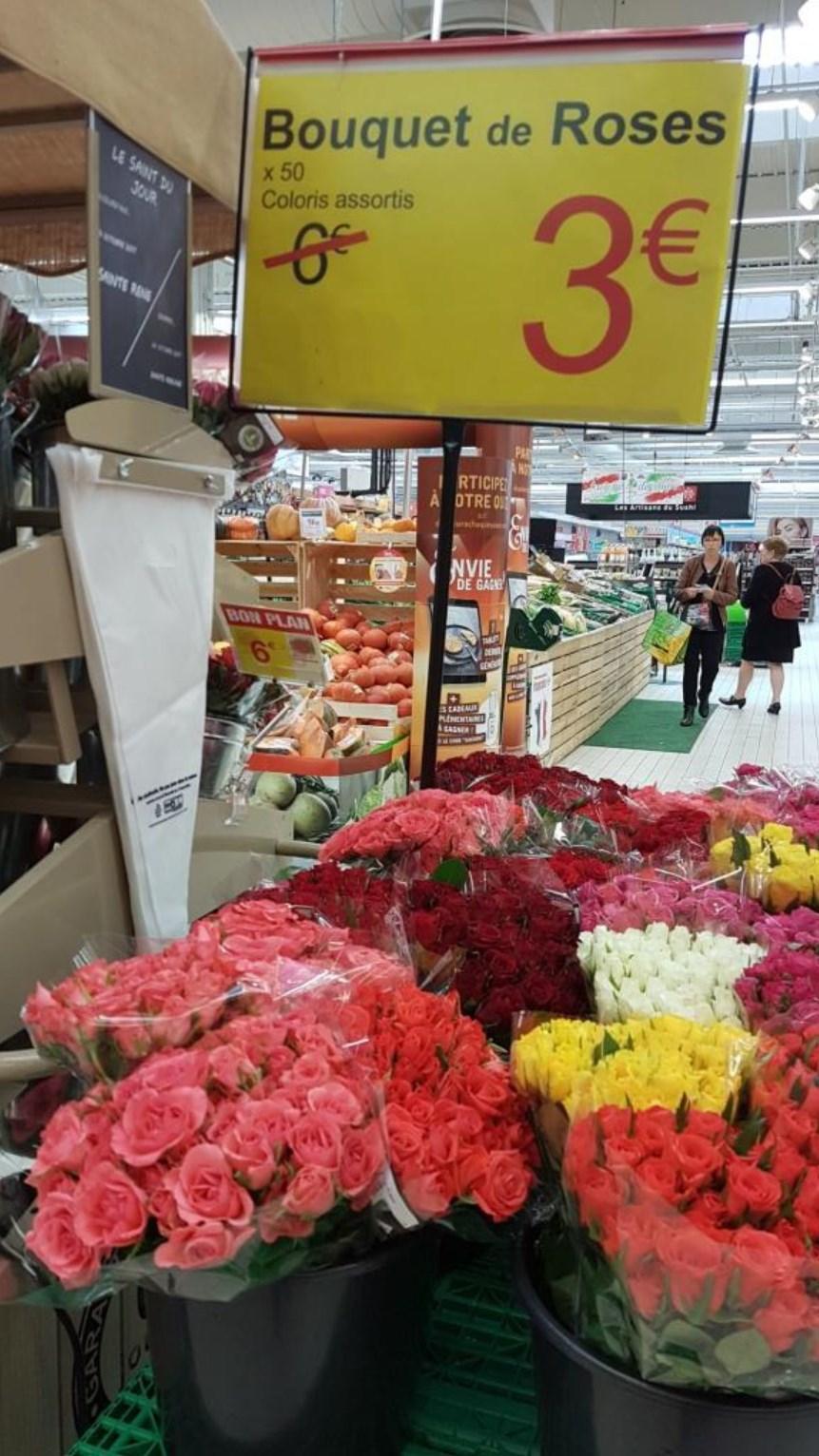 Bouquet de 50 roses ( Carrefour Angers Grand Maine - 49)