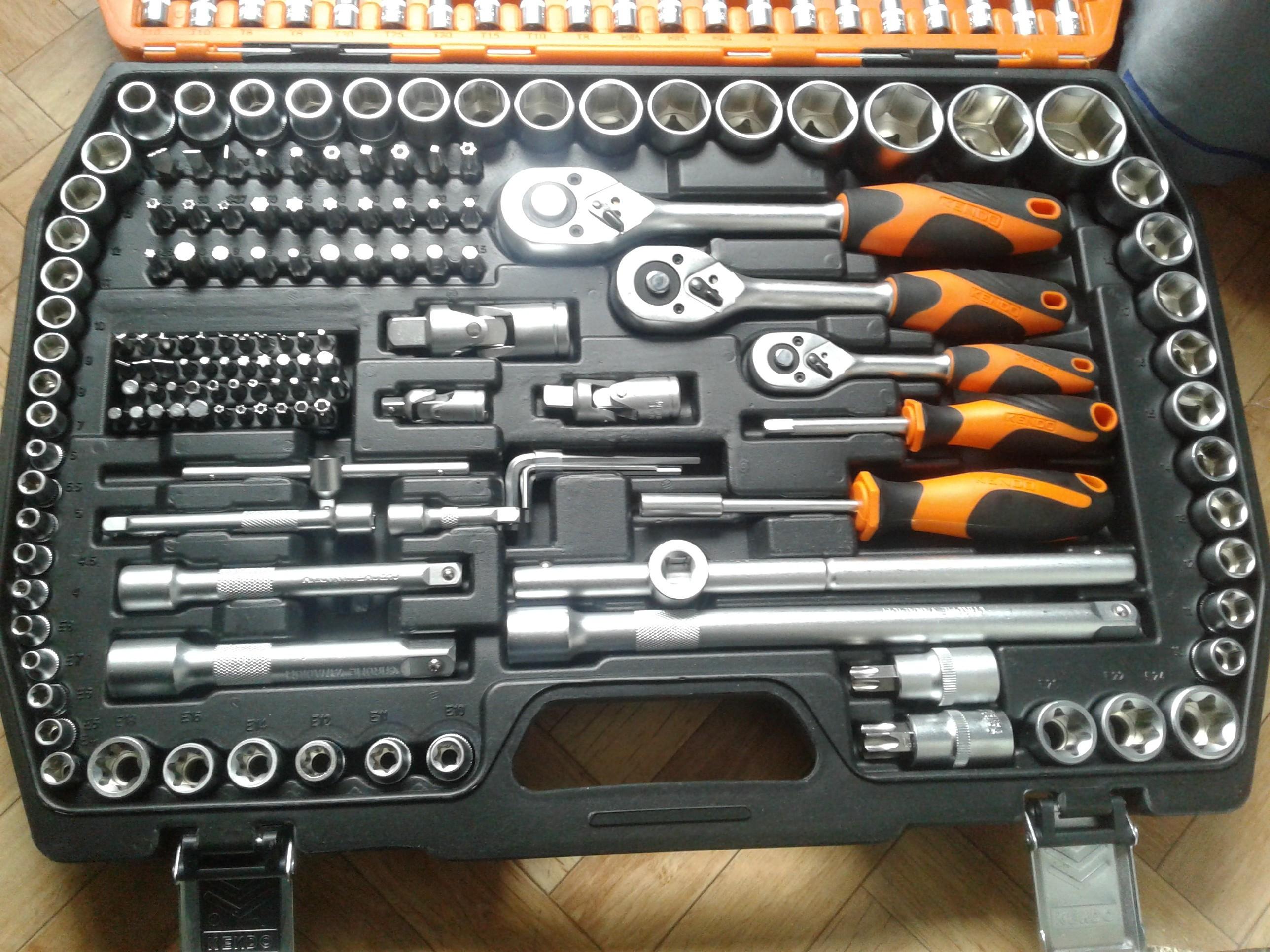 Coffret douilles et clés Kendo - 216 pièces (Vélizy - 78)