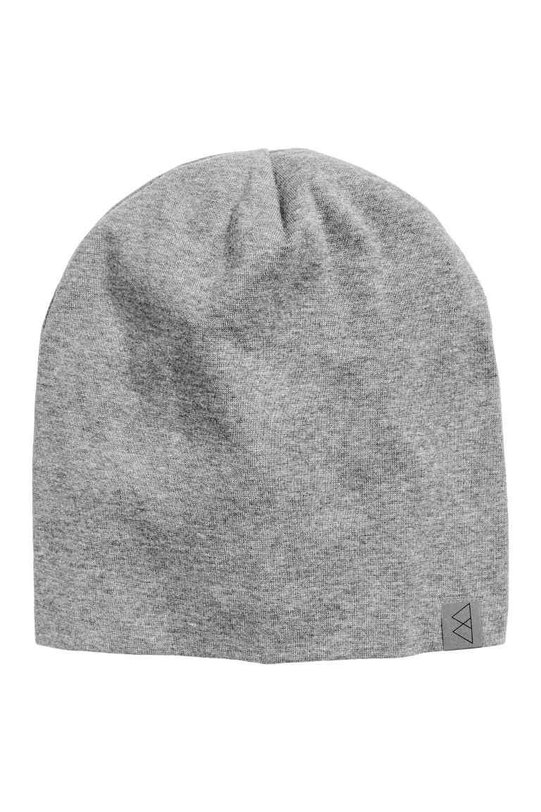 Bonnet en jersey gris chiné chez H&M