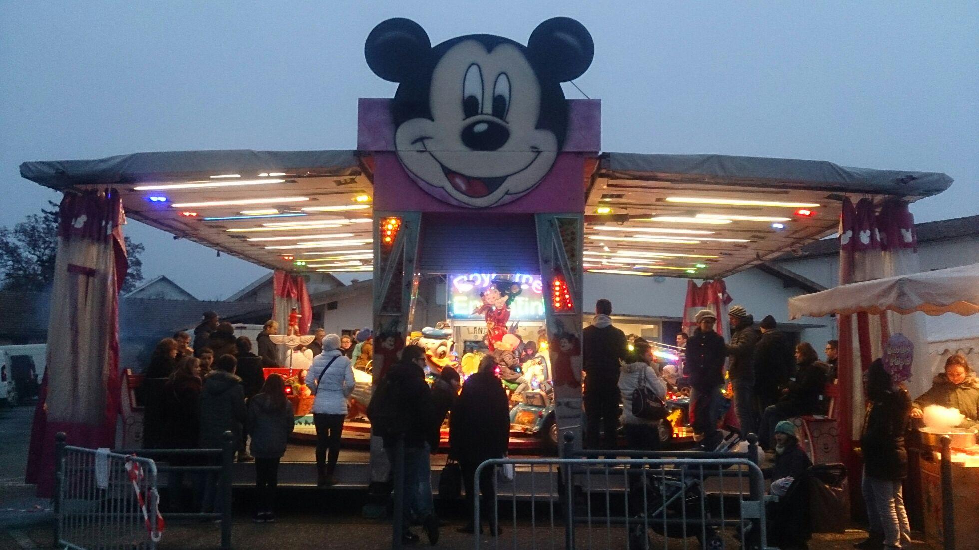 Manège enfant gratuit au marché de Noël de Léognan (33)