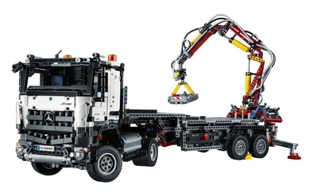 Sélection de Jouets Lego Technic en Promotion - Ex: Technic - Mercedes-Benz Arocs 3245 - 42043