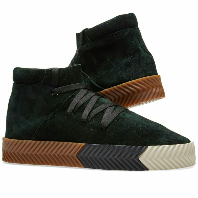 Sélection de Baskets Adidas by Alexander Wang - Ex : Skate Mid'Green Night' (Tailles : 42)